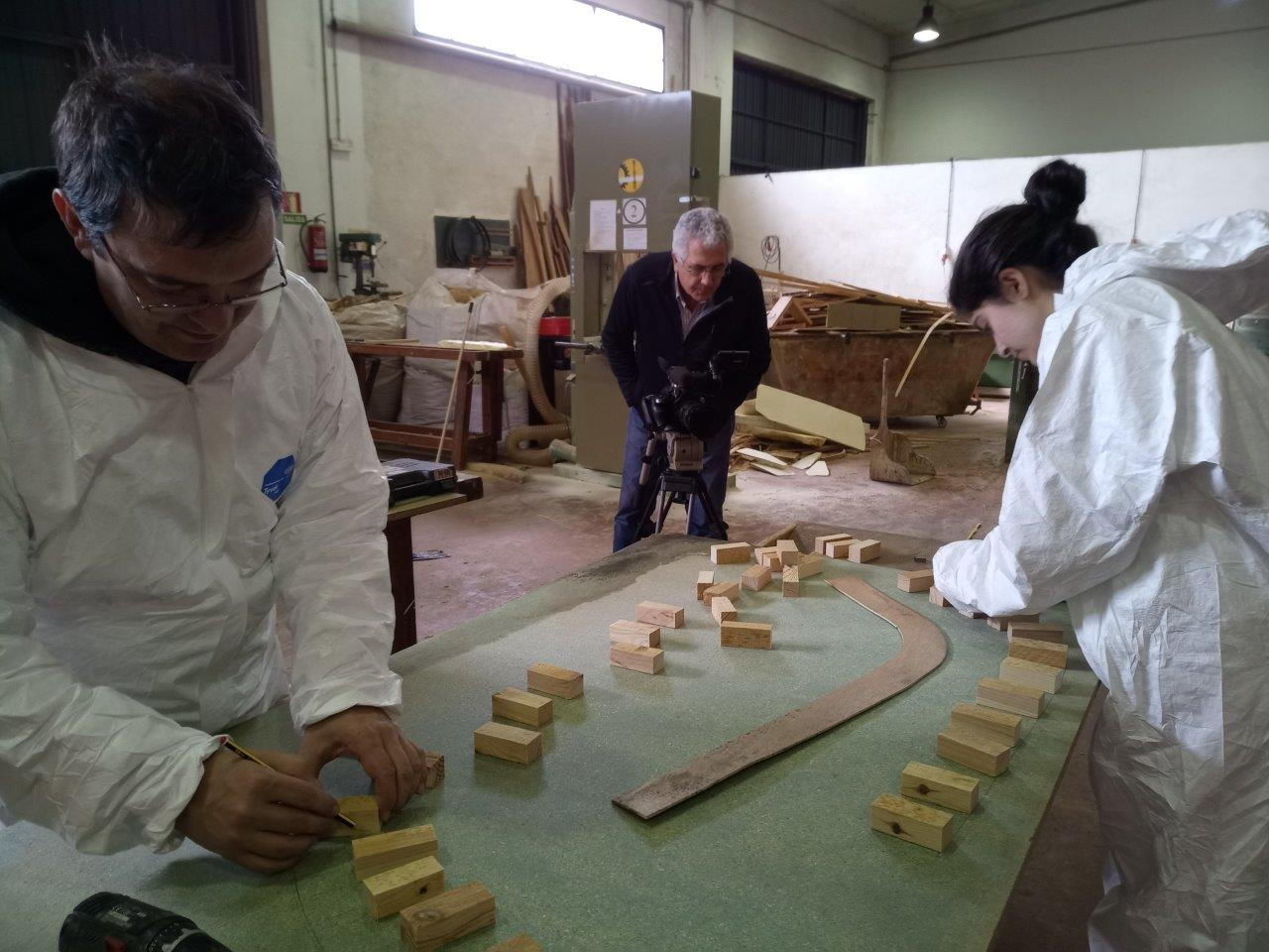 MOL2 Spain - Students at the woodwork workshop (Pontevedra)